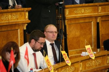Депутаты Ленобласти ушли сзаседания после поддержания пенсионной реформы