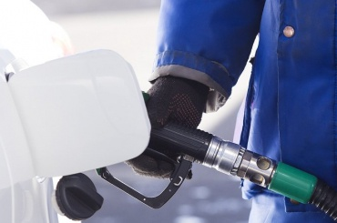 Сотрудница Пассажиравтотранса слила бензина на5 млн