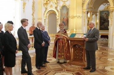 Полтавченко посетил литургию впамять оцарской семье