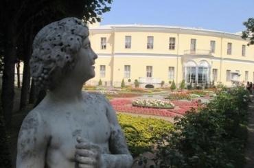 Фестиваль цветочного искусства открылся вПавловске