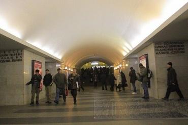 Закупку новых эскалаторов на430 млн рублей отменили