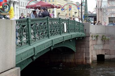 Смольный ненашел подрядчиков для капремонта Зеленого моста