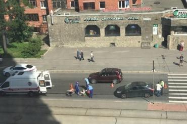Автомобиль прокуратуры сбил пешехода вПетербурге