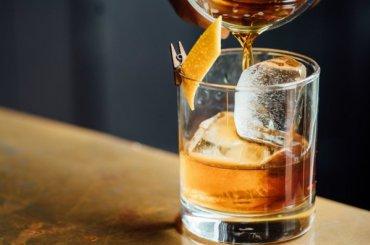 Три магазина торговали алкоголем из-под полы