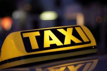 Больше трети петербургских таксистов остаются без чаевых
