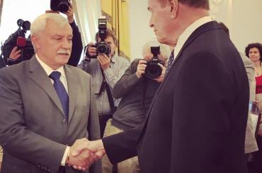 Полтавченко встречает вСмольном делегацию Сената США