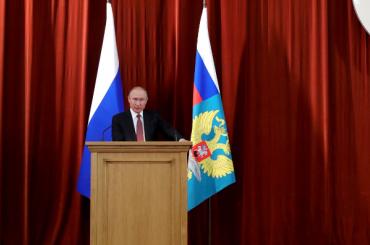 Путин предложил сменить фамилию представителюРФ вООН Небензе