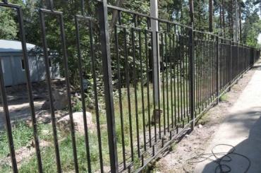 Парк «Монрепо» ограждается оттеррористов ибезбилетников