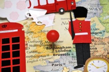 Петербуржцев просят заранее подавать документы набританскую визу