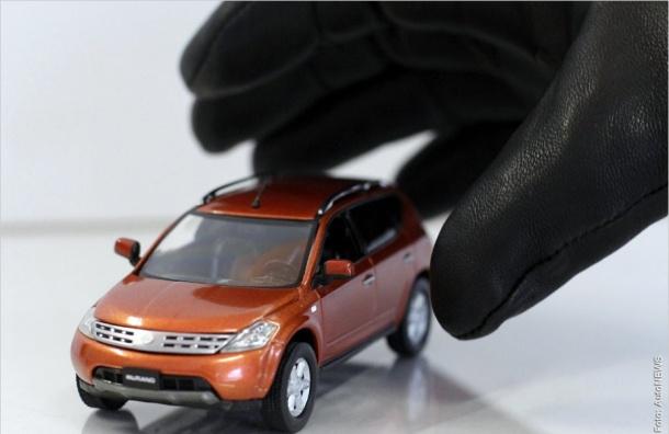 Петербуржца наказали запокупку угнанного автомобиля