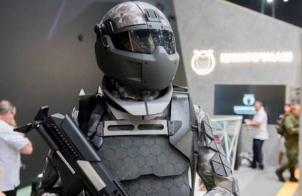 Российские разработчики показали активный экзоскелет для военных