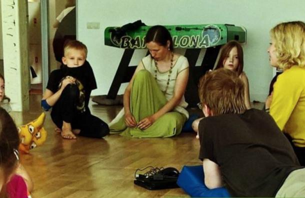 «Ночлежка» предлагает провести лекции-беседы облаготворительности вшколах Петербурга