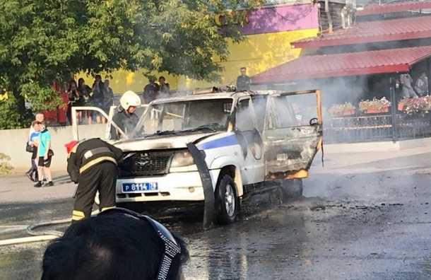 Полицейский «Патриот» сгорел вПетербурге
