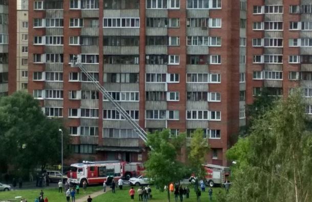 Пожар разгорелся вдоме напроспекте Энтузиастов, идет эвакуация жителей