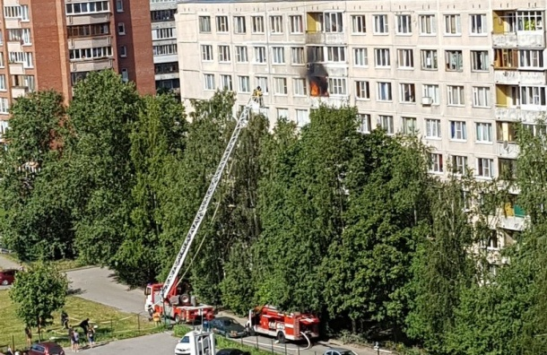 Горит квартира наМалой Каштановой