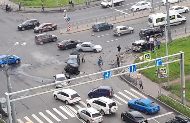 Массовое ДТП произошло вКрасногвардейском районе