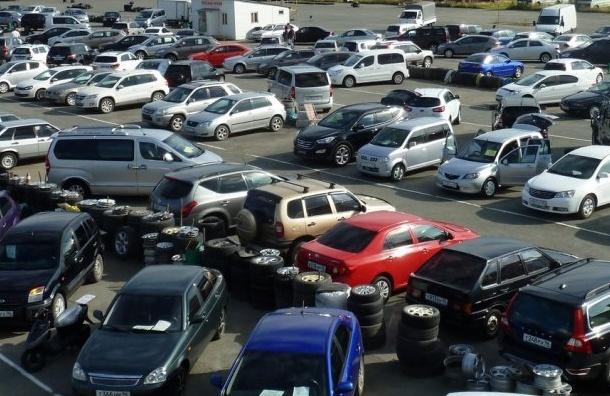 Продажи автомобилей вПетербурге замедлились
