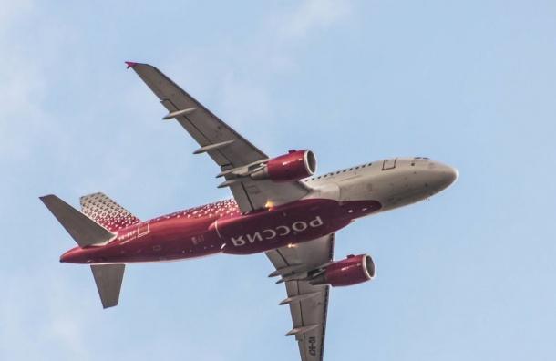 Летевший изПетербурга вБарселону самолет развернулся ивернулся вПулково