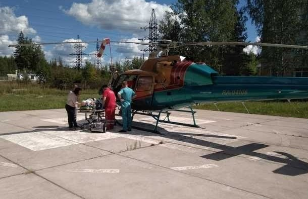 Жителя Ленобласти вертолетом доставили вПетербург