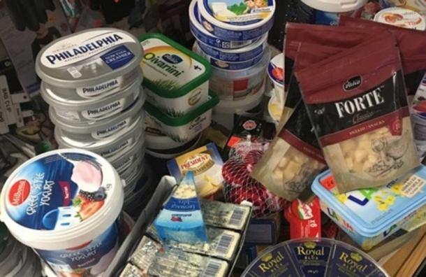 Тонну еды непустили вПетербург втечение месяца
