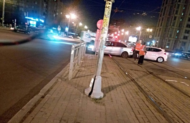 ДТП перекрыло движение трамваев наГражданском проспекте