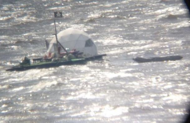 Петербуржец обнаружил пиратское судно вФинском заливе