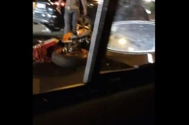 Мотоциклиста сбили наОктябрьской набережной