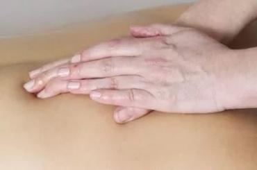 Инсультом закончился эротический массаж для петербуржца