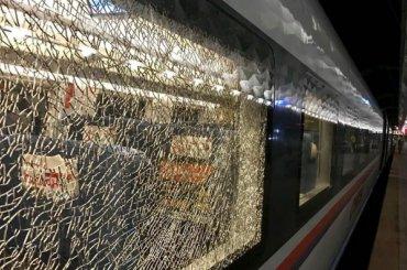 Неизвестные обстреляли «Сапсан» подороге вПетербург