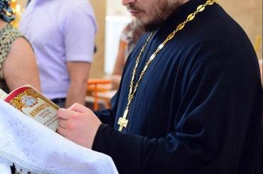Кприезду священнослужителей вНовосибирском вузе задрапировали статуи