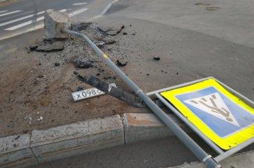 Виновник ДТП оставил свой номер наместе аварии