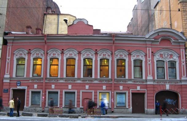 Петербург прирос тремя архитектурными памятниками