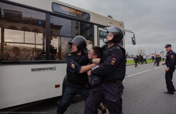 Пассажиравтотранс незабесплатно держит задержанных вдушных автобусах
