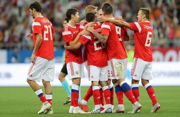 Сборная России пофутболу разгромила Чехию втоварищеском матче