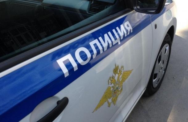 Упожилого петербуржца отобрали 1,3 млн рублей