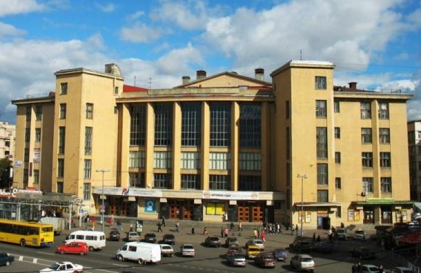 ЗакС выступил против передачиДК имени Горького вчастные руки