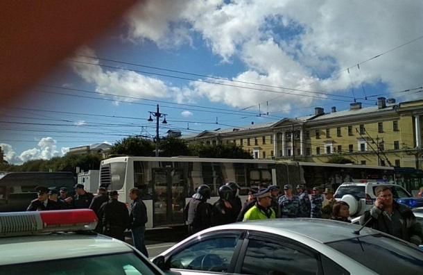 Без лозунгов иплакатов: полицейские выставили требования для митингующих