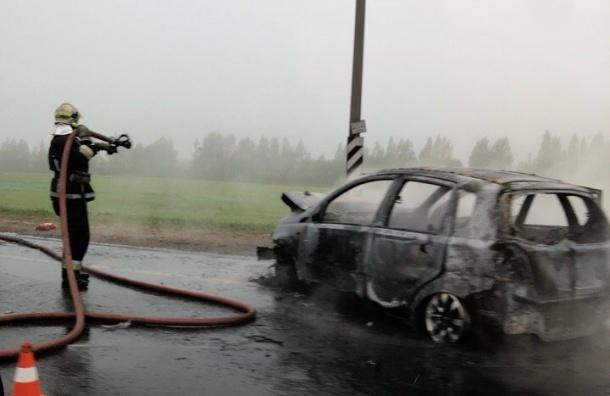 НаМурманском шоссе сгорел автомобиль