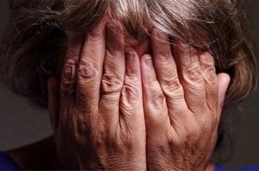 Мошенники напугали 94-летнею петербурженку тяжелым заболеванием
