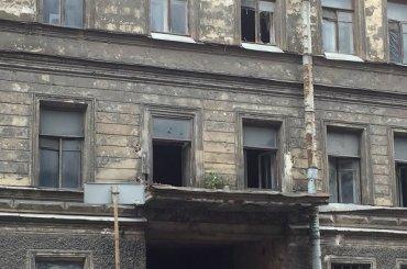 Балконные ограждения исчезли сдома наТележной