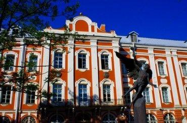 СПбГУ вошел врейтинг лучших вузов мира потрудоустройству выпускников