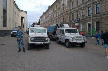 Колючую проволоку привозили наплощадь Ленина для безопасности граждан