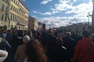 Петербургская епархия насчитала 110 тысяч человек накрестном ходе