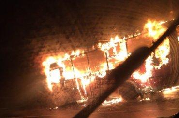 Маршрутка сгорела наТаллинском шоссе
