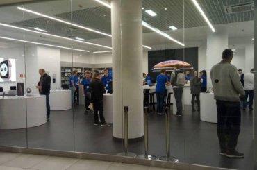 Торговый центр вПетербурге открыли раньше ради покупателей iPhone