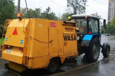 Почти 500 тонн мусора вывезли сулиц Петербурга занеделю