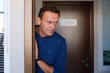 Навального задержали навыходе изспецприемника