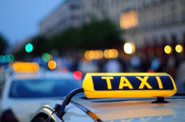 ВДень знаний таксист хотел познать первокурсницу