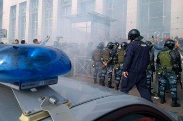 Часть задержанных навоскресном митинге бежала изполиции