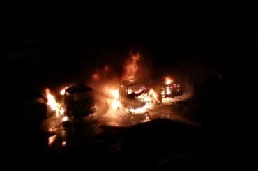 Три грузовика «Тонар» сгорели вКудрове